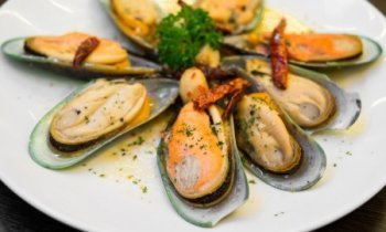 Recipe Mussels in Garlic Butter